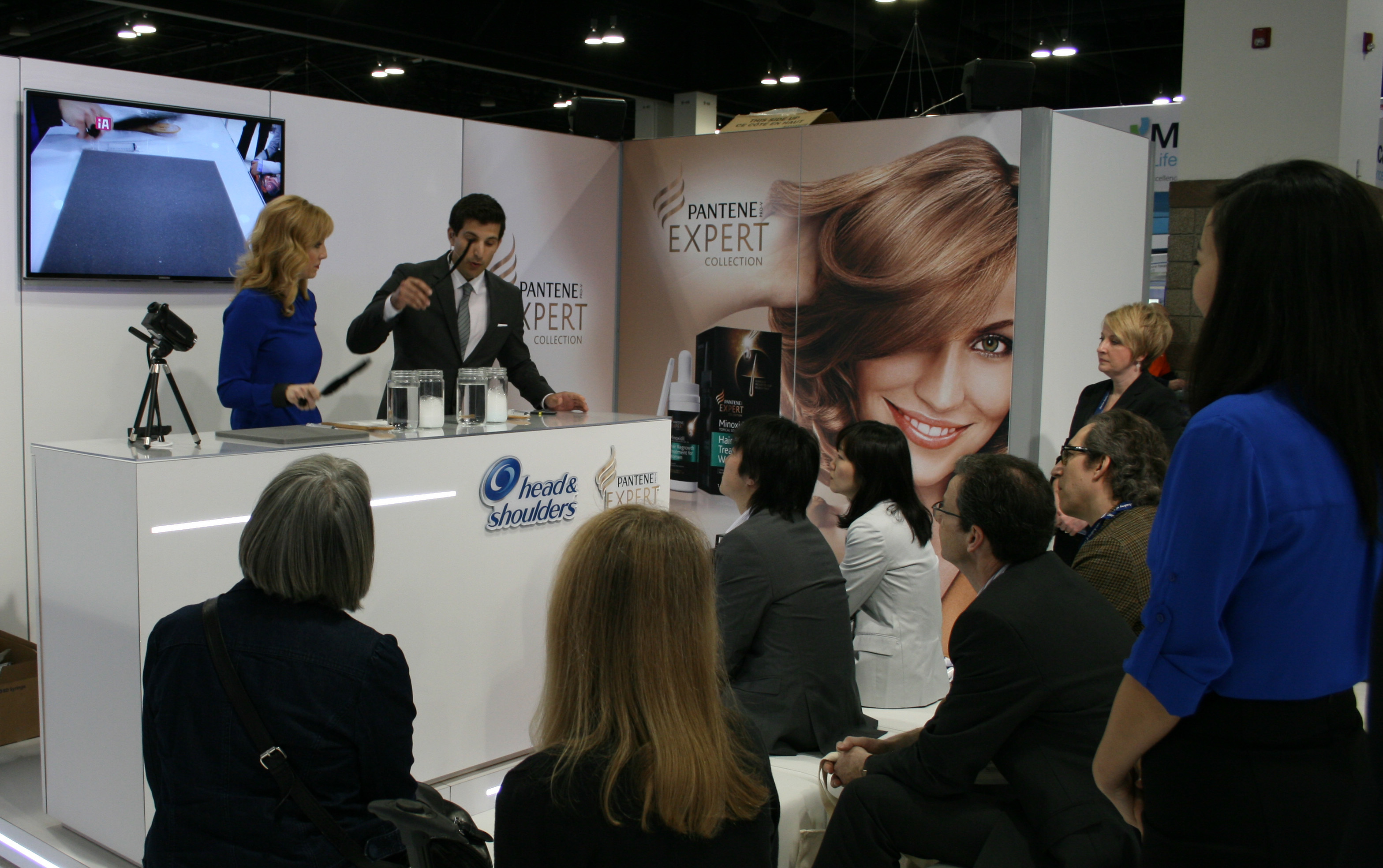 Product Demonstration or Service Presentation: A potent way to pull tradevisitors during Exhibition