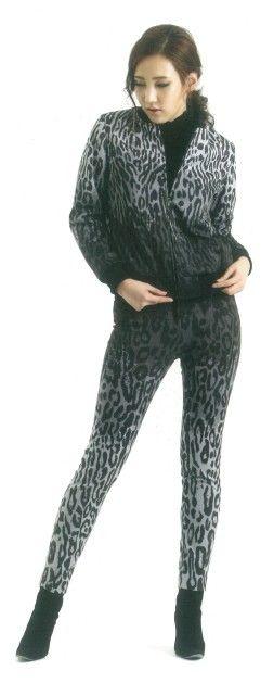 Woman's tops and pants