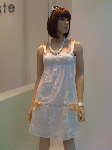 Cute Ribbon Embossed Flower Dress (J8173)