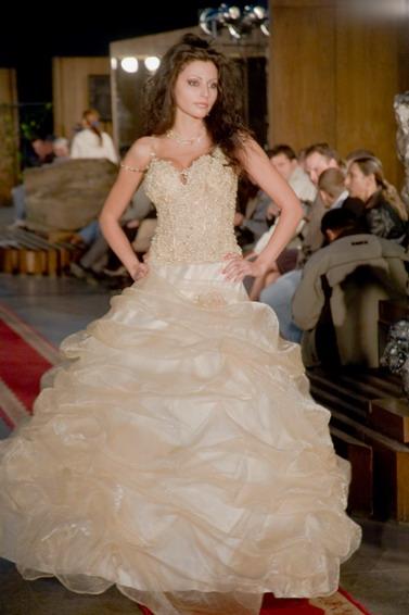 ELLEGANT WEDDING DRESS ANY SIZE
