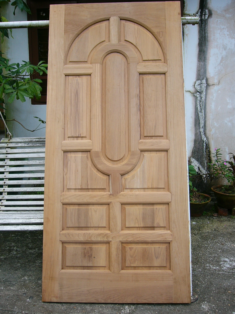 Wood (finished doors, pallets) , food agriculture,
