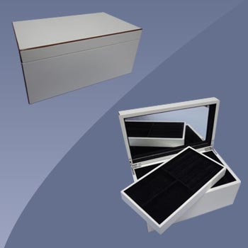 White Lacquered Jewelry Box
