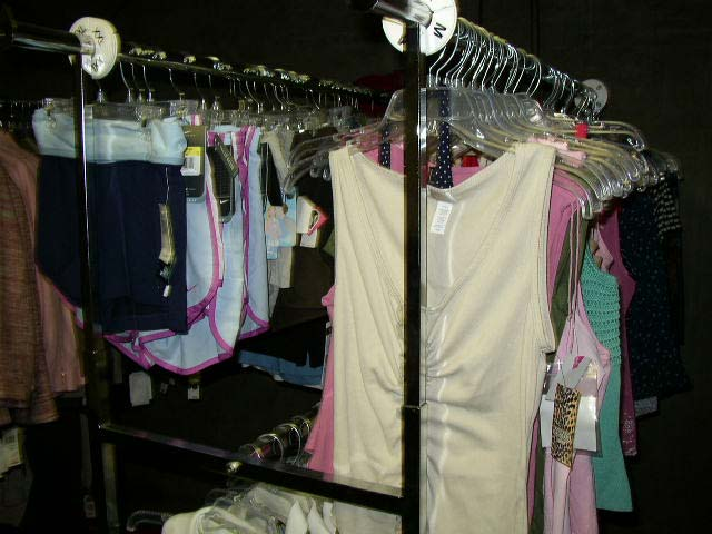 160 Piece Wholesale Clothing