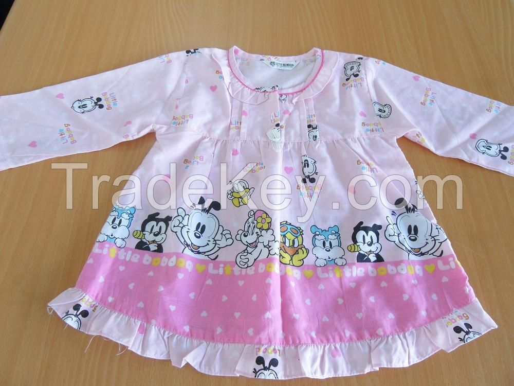 Used Clothing of Children Spring Wear