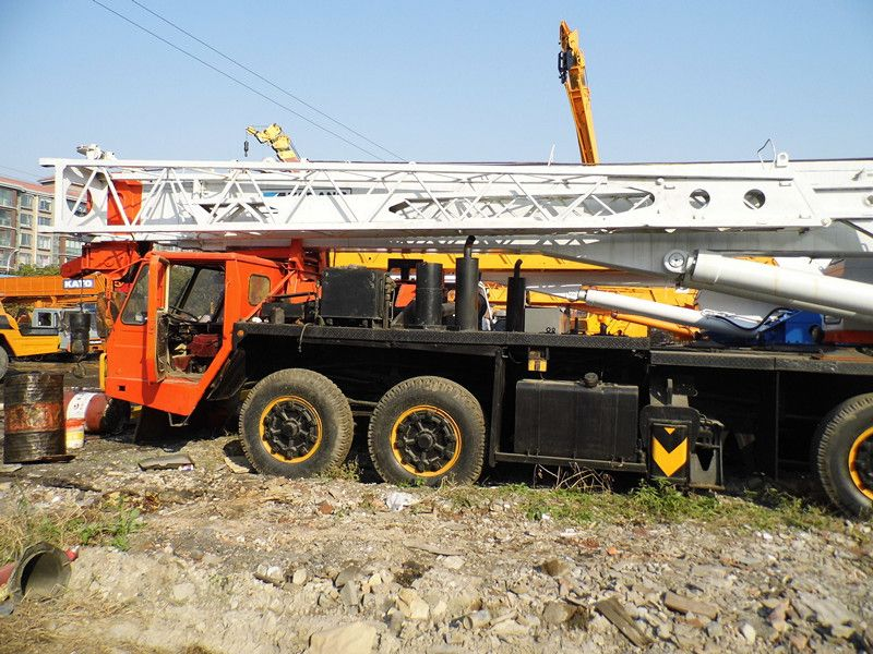 Used tadano tg 900e truck crane for sale used cat 140h for Motors used in cranes