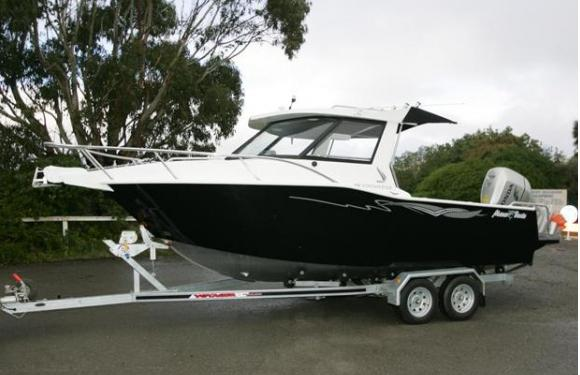 6.5m motor yacht