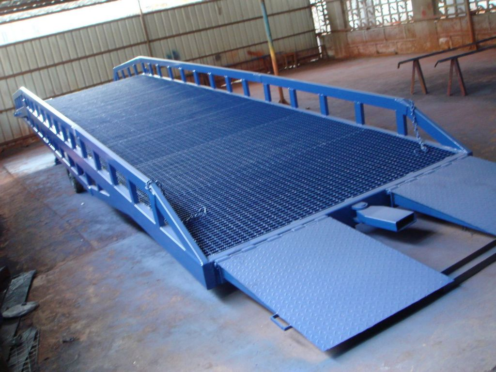 Hydraulic Lift Ramps : T hydraulic forklift truck loading container ramp for