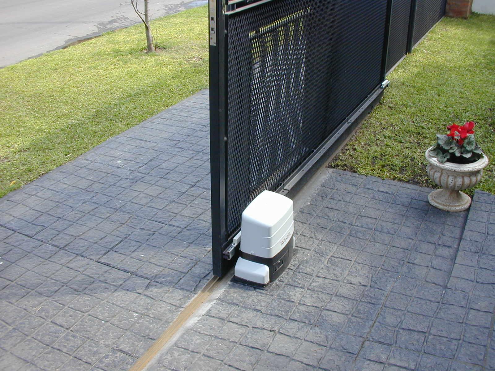 Gate opener operator