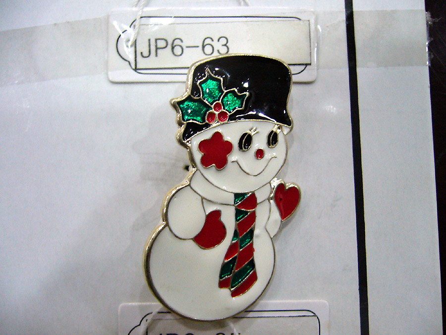 Cutie Snowman brooch pin for Christmas.