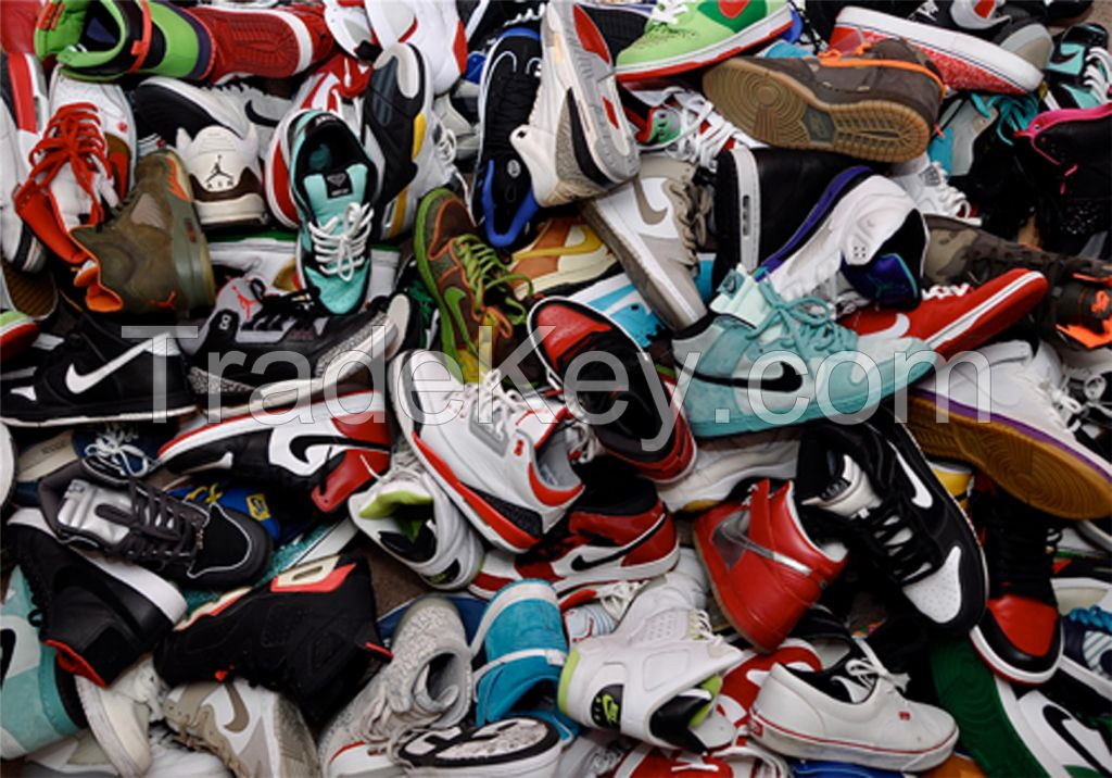 A and AA Grade Mix Used Shoes