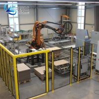 Robot palletizer for cartons and water beverage production lines