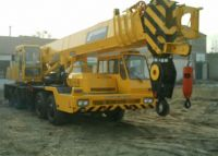 second hand crane and other construction machinery under good conditio