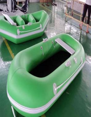 assault boat , fishing boat , drift boat , banana  boat