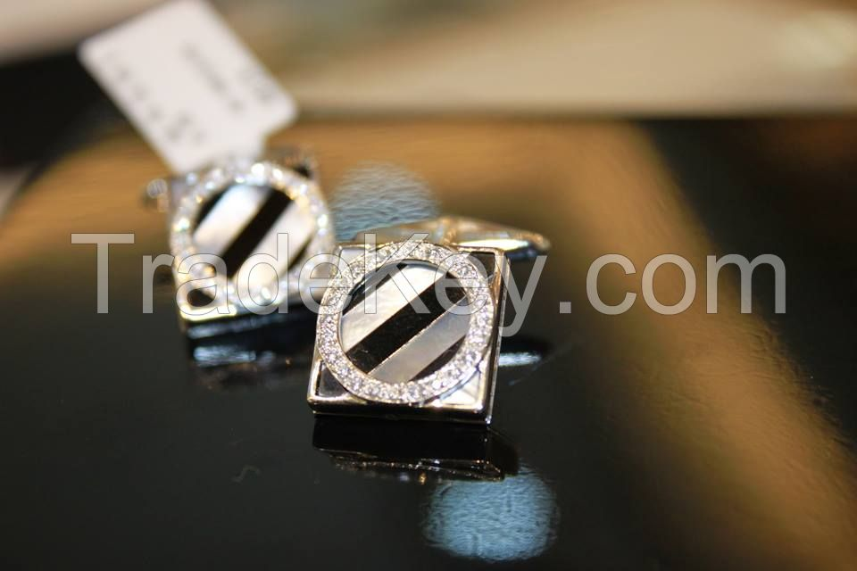 we sell the finest cuff links of diamonds