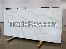 Nsf Sgs Quality Calacatta White Marble Look Quartz Stone Solid Surfaces Polished Slabs Tiles Engineered Stone Artificial Stone Slabs for Hotel Kitchen, Bathroom Backsplash Walling Panel Customized Edge