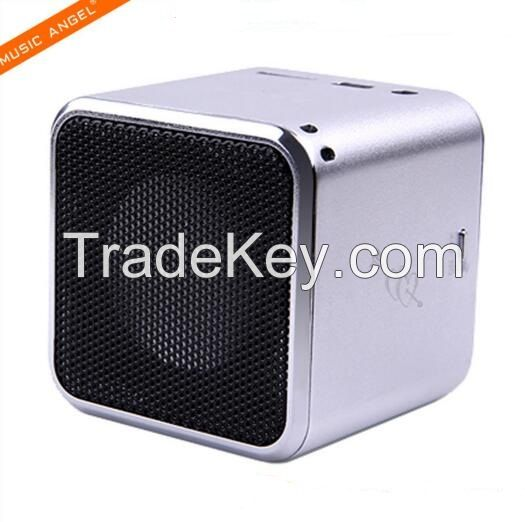 Md07D Original Quality Super Bass Speaker USB Active Stereo Loud Speaker with Earphone Slot FM Radio Support Micro SD /TF Card