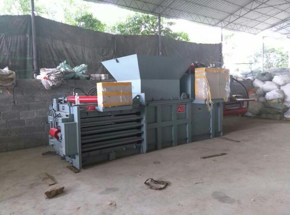 waste PET Bottles Baling Machine from China