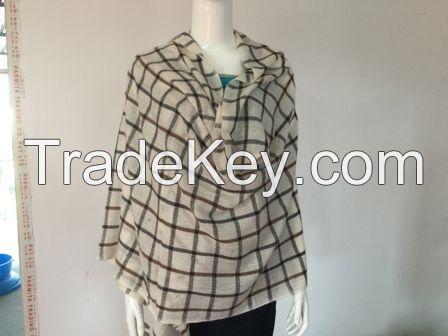 Checks woolen Stole