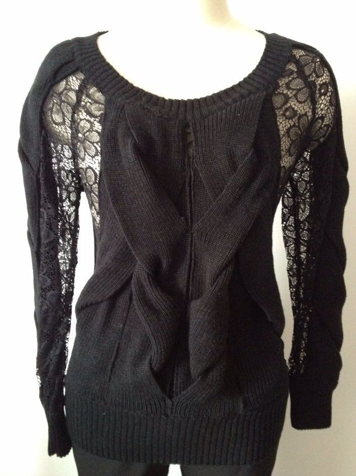 Ladies' knitted sweater