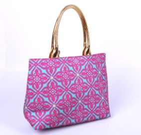 women holiday Tote Bags