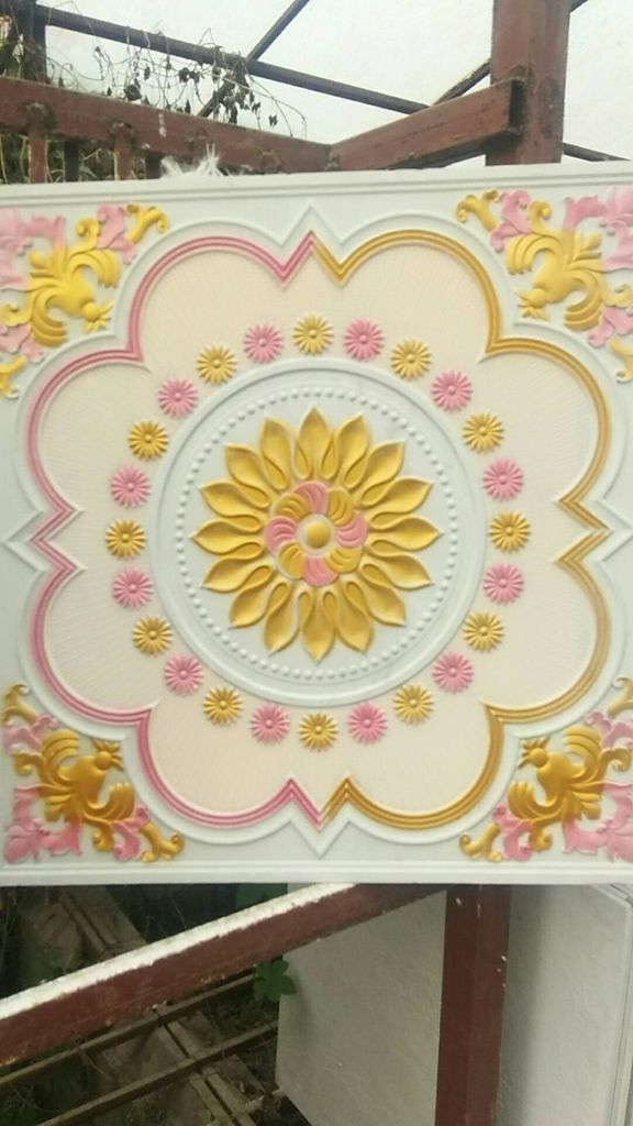 Suspended tile decortion tile
