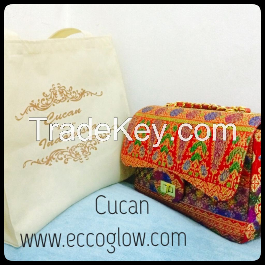 We sell bag for ladies for cucan production, we want buyers for my product