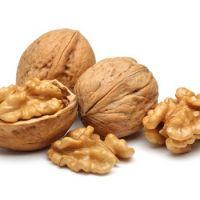 Walnuts in shell, shelled walnut kernel