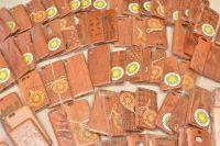 100 pcs Engraved wood phone cases