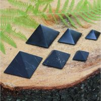 40 mm Polished shungite pyramid