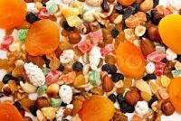 Flake of dried Papaya, nuts and dried fruits