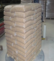 GRADE AA Europe Wood Pellets 15 kg Wood Pellet Din plus/EN plus-A1 Wood