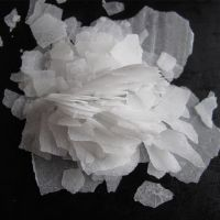 White flake or pearl 99% caustic soda with low price