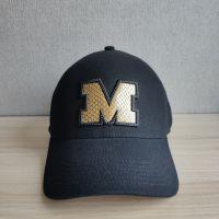 Seamless cap