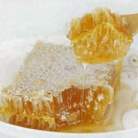 Gooural bed 100% nate raw honey/natural organic comb honey/product from honey comb