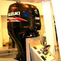 Used 2019/2020 SUZUKI 150 HP, 300HP, 30, 50, 60 hp 4-STROKE OUTBOARD MOTOR PAIR