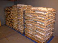 Wood Pellets DIN, EN Plus-A1, EN Plus-A2 Pine, Beech wood pellets of 15kg for sale