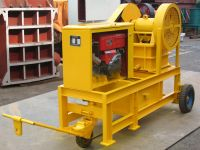 Sell movable diesel engine crusher