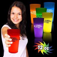 DISTRIBUTORS WANTED - GLOWCUPS GLOW IN THE DARK PARTY PRODUCT FROM USA - Promotional DRINKING CUPS.
