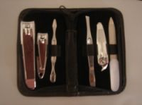Sell GROOMING SET