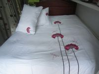 Cosy- embroidery bedding