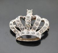 Offer fashion crystal crown brooch B00235