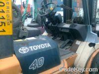 Sell Toyota forklift 40 4ton 2009 FOB Shanghai 12, 000USD