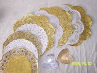 Sell gold & white paper doilies
