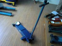 SELL heavy duty long floor jack T32003H