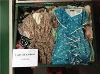 Selling used clothes used shoes used bags usde lady dresses