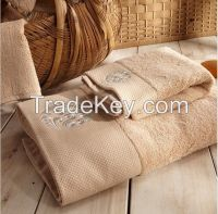 Sell   Stain Bordor Hotel Towel With Embroidery Logo