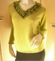 Sell Women's V-neck cashmere sweater with lace trimmings