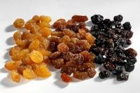Quality Dried Fruits Raisins, Fresh and Dried Apricot at moderate prices