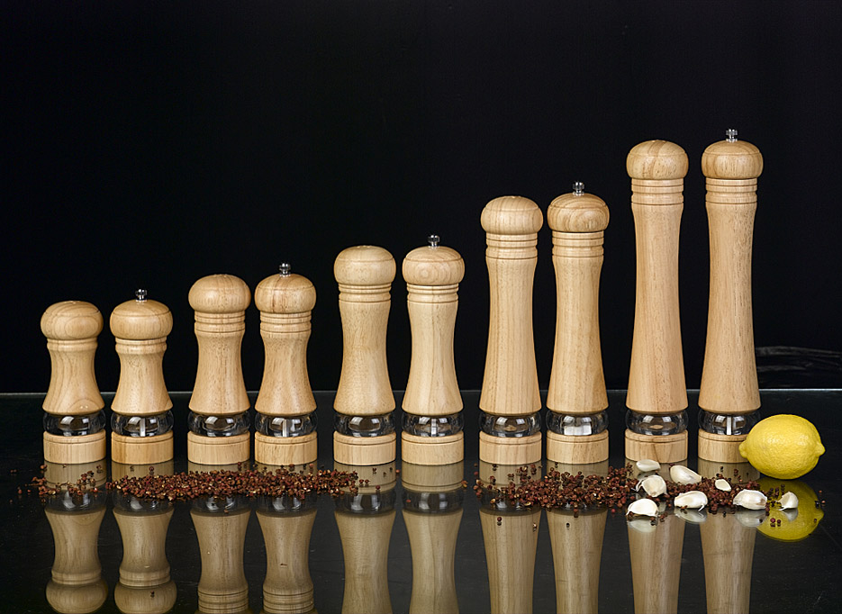 Pepper mill and kitchenware