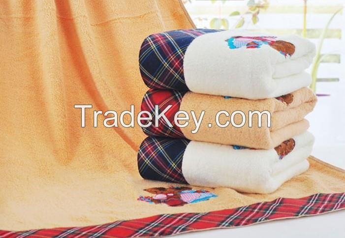 2016 hot sale high quality bath towel with bear emborideries design beach towels for wholesale